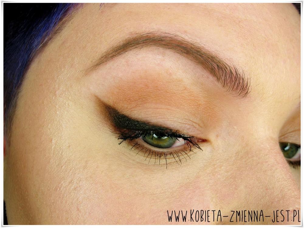pomysł na dzienną kreskę makijaż makeup makeupblogger blog makeup revolution i heart chocolate brązowa kreska
